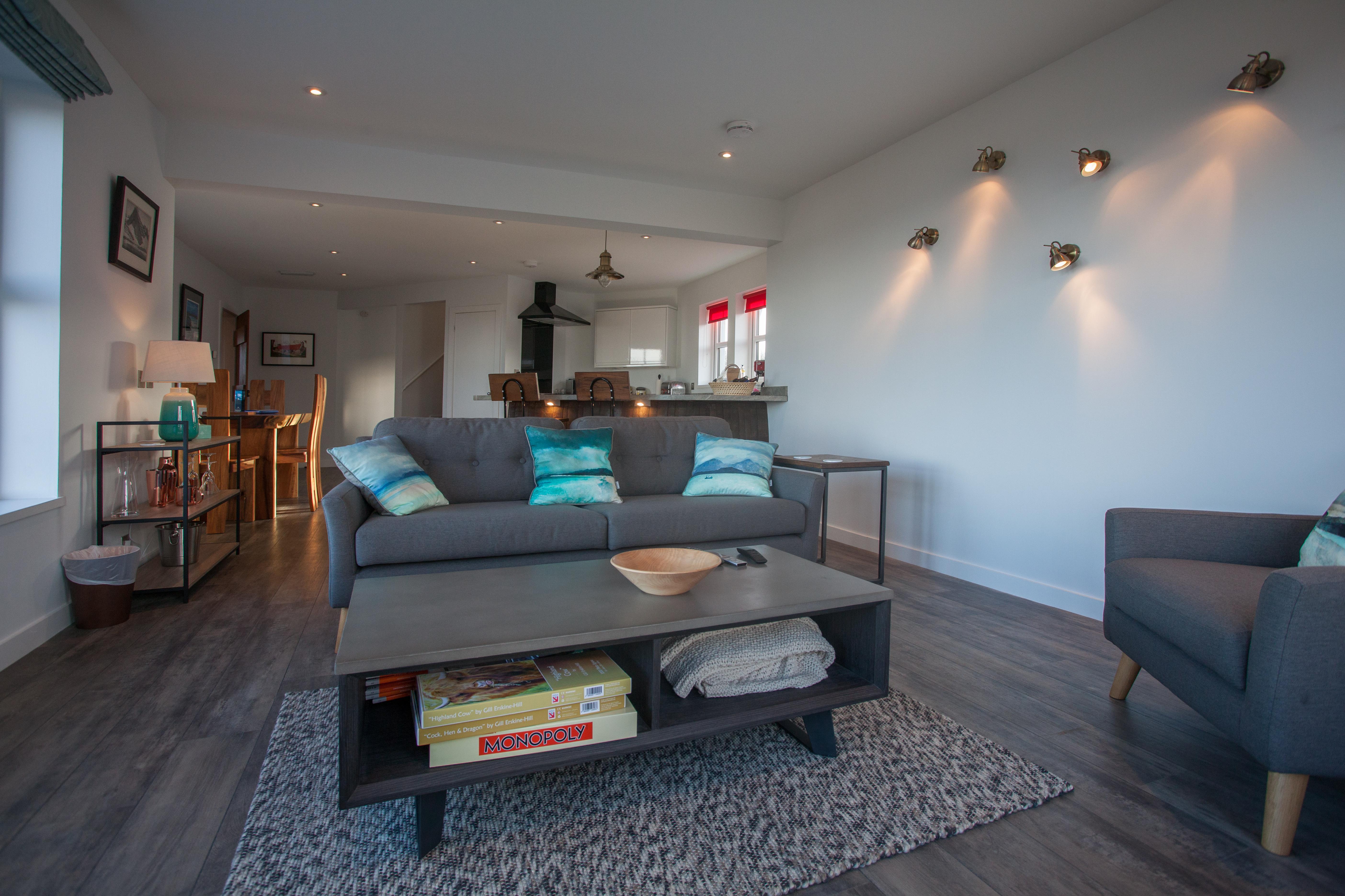 Photo 3 living area